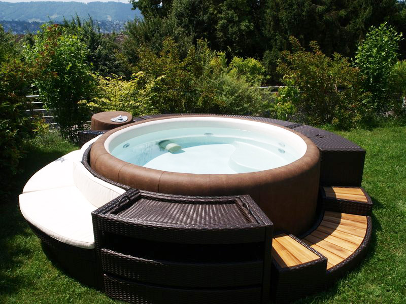 location et vente de spas softub dans les laurentides. Black Bedroom Furniture Sets. Home Design Ideas